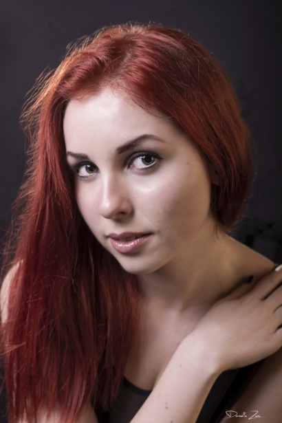 Yuliya - Portrait - foto in studio
